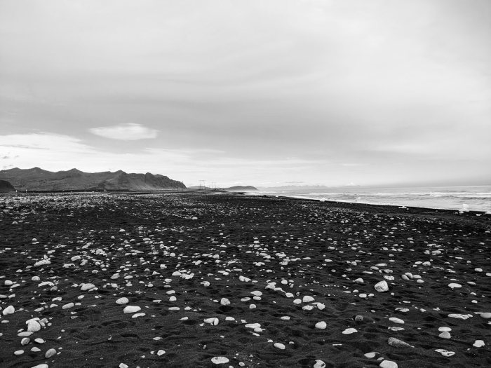 Black Beach in Iceland - Photo by Justyna Dorsz